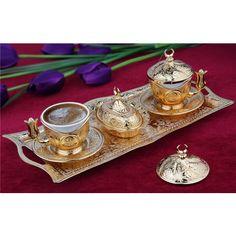 Hediyelik Altın Renkli Tiryaki 2'li Kahve Takımı Ürün Bilgisi ; 2'li kahve takımı Kaliteli ve şık ürün Sevdiklerinize hediye olarak gönderebilirsiniz Ürün fotoğrafta görüldüğü gibidir