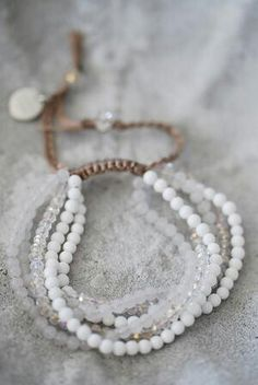 Good Habit bracelet by Biskopsgarden Jewelry Knots, Boho Jewelry, Bridal Jewelry, Beaded Jewelry, Jewelery, Jewelry Accessories, Handmade Jewelry, Beaded Necklace, Jewelry Design