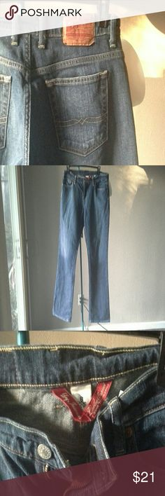 "Lucky Brand Jeans Easy rider A NICE pair of Authentic Lucky Brand Easy rider jeans w/ a 34"" inseam. So cute!! Gently worn. Lucky Brand Jeans Boot Cut"