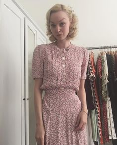 Look Vintage, Vintage Style Dresses, Vintage Outfits, Pretty Outfits, Beautiful Outfits, Cute Outfits, 1940s Fashion, Vintage Fashion, Posh Clothing