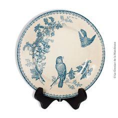 Assiette « Mésange » Longwy, vers 1900. Made in France En bon état, ni manque ni fêle. Usure du temps Diamètre 22,5 cm 28,00 € http://legrenierdelamandoune.com/vaisselle/726-assiette-mesange-longwy-vers-1900-made-in-france.html Le Grenier de la Mandoune #legrenierdelamandoune