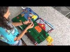 Adatti fin dai primi mesi di vita, i libri tattili o sensoriali vengono utilizzati dai bambini in tanti modi: si girano le pagine, si toccano tessuti e materiali diversi, si ammirano colori sgargianti, si tirano fuori oggetti dalle tasche e altro.