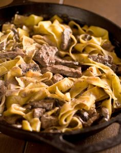 Beef Stroganoff for 4- Diab. Friendly- Cal 187-  Carb 9-•1# topsirloinstrips•  1.5 c sl mushr•2 T flour•1 c fat-free beef broth*•1 T dr onion•1 t chop garlic•1/4 t salt •1/8 t bl pepper•1/2 c ff sour cr-Brown meat, mushr-Shake flour, broth no lumbs.Add to meat w/ on, gar, season.Cook,thick. + sr cr. Heat- NO BOIL.- Serve over noodles/ rice-