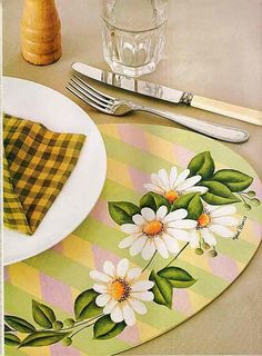 Daisy Painting, Fabric Painting, Hand Painted Fabric, Decoupage, Stencils, Art Deco, Tableware, Table Decorations, Sarah Kay