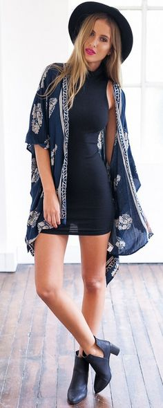Make sure you have your closet stocked with easy pieces - just like this Stylish Floral Print Half Sleeve Kimono - to keep you cool and casual. Find it at OASAP!