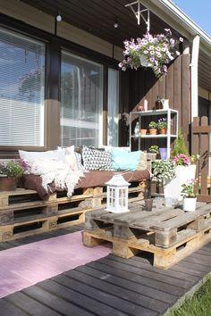 Valoisaa vaaleaa Outdoor Furniture Sets, Outdoor Decor, Terrace, Table Decorations, House, Ideas, Home Decor, Balcony, Decoration Home