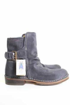 Fly London Ning oiled suede biker boot in deep Fly London Boots, London Shoes, Heeled Boots, Bootie Boots, Biker Boots, Biker Style, Sneaker Boots, Cool Boots, Comfortable Shoes