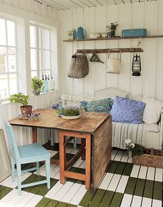 I love the painted floors, and the white walls make the space seem bigger. Oh I so need to finish my shed! Old Hat Shed Interior, Interior Design, Shed Design, House Design, Summer House Interiors, Home And Garden Store, Play Houses, White Walls, Cottage Style