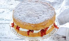 Video how to tutorial to set up and style a Royal high tea wedding viewing party Classic Sponge Cake Recipe, Sponge Cake Recipes, Classic Cake, Classic Recipe, High Tea Wedding, Australia Day, Round Cakes, Cake Tins, Cream Cake