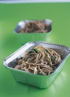 Soba Noodles With Sesame Seeds Sesame Noodles, Soba Noodles, Asian Noodles, Vegetarian Recipes, Cooking Recipes, Healthy Recipes, Diner Recipes, Savoury Recipes, Delicious Recipes