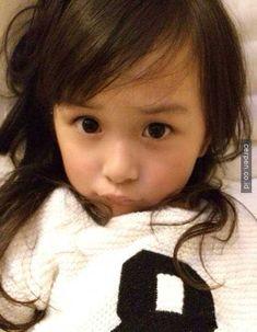 Di postingan sebelumnya, kita pernah menceritakan tentang seorang anak laki-laki tampan asal Korea. Nah sekarang, seoran...