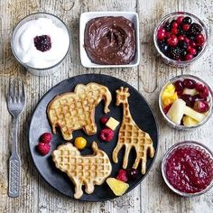 Check out these cute vegan waffles by @planticize!!! ☺️ Chris is an amazingly talented food blogger from the US, currently living in Stockholm.  He stopped eating red meat over 20 years ago & has now switched to a 100% plant-based diet I've added a link to his blog in my bio so you can check out all the yummy recipes!  #veganpandas