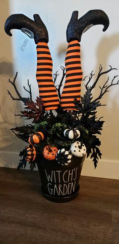 - Home Decor Halloween Projects, Diy Halloween Decorations, Halloween Themes, Halloween Snacks, Halloween Porch, Holidays Halloween, Happy Halloween, Adornos Halloween, Halloween Disfraces