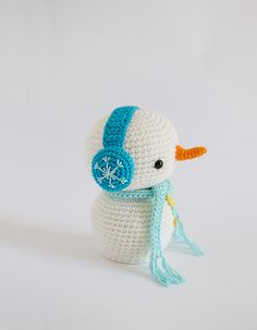 Snowman With Earmuffs Amigurumi Pattern