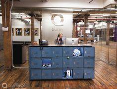 reception desk - lada recepcyjna, oryginalne rozwiązanie ze skrytkami na froncie