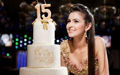 Todos os detalhes da festa de 15 anos superglamourosa da Maria Eduarda Pereira!