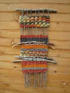 Telar Mural UNUSUAL WALL HANGINGS W/KNITTING INSERTING TWIGS,ETC. love this I thing U could insert jewelry and such!...b