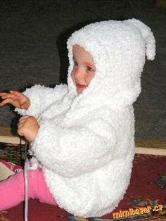 Skřítkovský chlupatkový svetřík s kapuckou