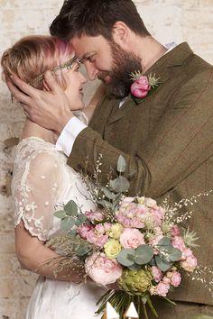 modern vintage wedding ideas // photo: paola de paola