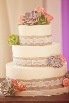 rustic burlap + lace. Uh oh.... I'm gonna have to pitch this idea . I'm kinda in love with it! Not the flowers tho