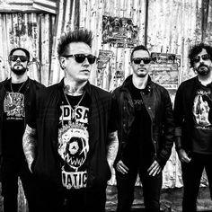 "Papa+Roach+Promises+""Old+School+Papa+Roach+Attitude""+On+New+Album+'Crooked+Teeth'"