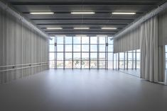 Imagem 4 de 19 da galeria de Escola de Dança Aurélie-Dupont / Lankry architectes. Fotografia de Julien Lanoo