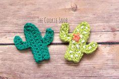 Free crochet Cactus applique pattern at The Cookie Snob. Free crochet Cactus applique pattern at The Cookie Snob. Crochet Applique Patterns Free, Crochet Motifs, Crochet Stitches, Crochet Cactus Free Pattern, Crochet Appliques, Felt Patterns, Crochet Simple, Crochet Diy, Crochet Hooks