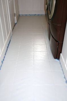 Painted and patterned tile floors! how to paint tile floors – a tutorial;my ugly bathroom floor is getting a makeover! Painting Tile Floors, Painted Floors, Painting Ceramic Tile Floor, Paint Tiles, Wall Tiles, Diy Mobile, Tuile, D House, Bathroom Flooring