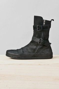 99 Genius Fashion Boots Ideas For Women Fall And Winter | Boots and women seem to have a natural connection. And women do get an array of boots collection starting from spring boots, fall, winter, rain, fashi...