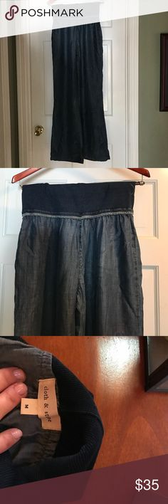 🆕🍾Cloth + Stone pant. Size Medium Brand new. Light cotton chambray wide leg pant. Gorgeous drape. So soft and wonderful but they don't fit. Bought in a rush this summer and never went back to return. Brand runs very small. Didn't buy at Anthro but brand is always sold there and used for exposure. 👀 Anthropologie Pants Wide Leg