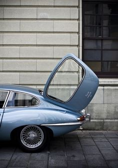 Macchine/Cars Jaguar E-Type Auto Design, Automotive Design, Sexy Cars, Hot Cars, Retro Cars, Vintage Cars, Type E, Automobile, Cabriolet