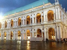 Basilica Palladiana, Vicenza, Italy (via Vivi Vicenza) Can't believe I'm moving here!