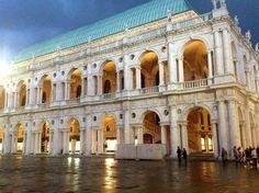 Basilica Palladiana, Vicenza, Italy (via Vivi Vicenza)