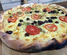 Com borda estilizada, pizza fica ainda mais bonita (Foto: Mais Você/Gshow) Pizza And More, I Love Pizza, Quiches, Yummy Mummy, Yummy Food, Papa Pizza, Pasta, Pizza Recipes, Vegetable Pizza