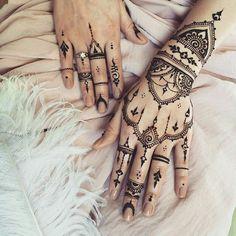 #mao #henna #tauagem #etnicas #estilo