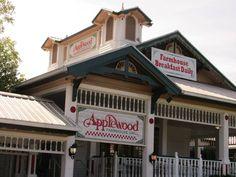 Photo of Applewood Farmhouse Restaurant - Sevierville, TN, United States. Storefront