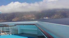 Costa Fascinosa salpa da Santorini
