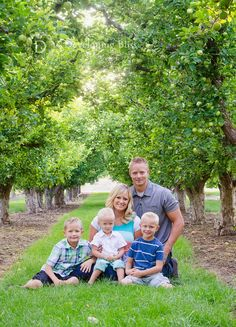 family of 5, family pictures, orchard family pictures, logan Utah photographer,