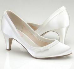 zapatos de novia tacon bajo elegantes