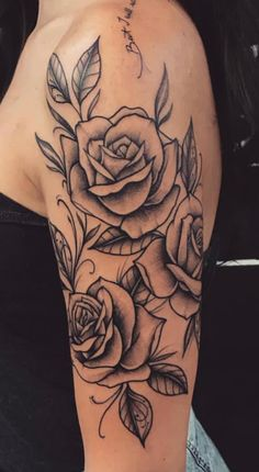 These tattoos can be full sleeve tattoos or even half sleeve tattoos. tattoos on the sleeves can contain just about anything you can imagine in your head. Tattoos For Women Half Sleeve, Shoulder Tattoos For Women, Best Sleeve Tattoos, Tattoo Sleeve Designs, Tattoo Designs For Women, Female Tattoo Sleeve, Simple Shoulder Tattoo, Pretty Tattoos, Cute Tattoos