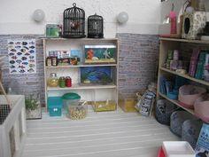 amazed Barbie Miniatures, Dollhouse Miniatures, Diy Dollhouse, Dollhouse Furniture, American Girl Furniture, American Girl House, Horse Crafts, Barbie House, Doll Crafts