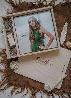 - Wood print box - space for photos and usb drive - square - (spanish moss included) Photographer Packaging, Wedding Albums, Print Box, Spanish Moss, Usb Drive, Gold Paint, Wooden Boxes, Laser Engraving, Photography Ideas