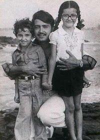 Childhood photos of Bollywood stars Hrithik Roshan along with his sister Sunaina and their filmmaker father Rakesh Roshan. Bollywood Stars, Bollywood Cinema, Indian Bollywood, Bollywood Pictures, Bollywood Actress Hot Photos, Hindi Actress, Rare Pictures, Rare Photos, Family Pictures