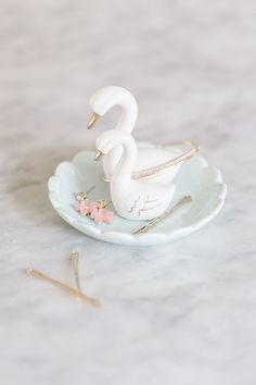 This LC Lauren Conrad mom and baby swan is sure to put a smile on the face of any mom in your life. Jewelry Dish, Jewellery Storage, Jewelry Organization, Polymer Clay Crafts, Diy Clay, Lc Lauren Conrad, Baby Swan, House Of Gold, Cute Room Decor
