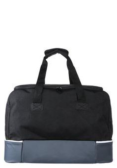 5df0ee3b8fb67 ¡Consigue este tipo de bolsa de deporte de Adidas Performance ahora! Haz  clic para