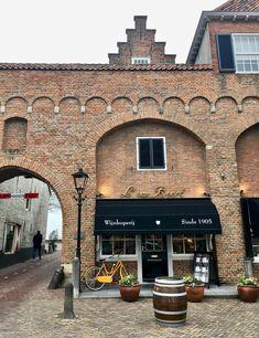 Stedentrip: vestingstadje Zaltbommel - Bijzonder Plekje Modern Buildings, Netherlands, Holland, Dutch, Gem, Mansions, Architecture, House Styles, Places