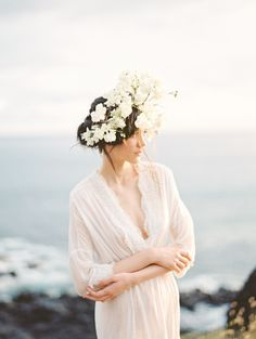 Pinterest || @harpermavennyc Ethereal and Romantic Bridal Style among the Hawaiian Hills
