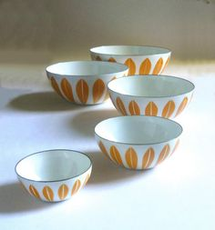 1960's Vintage Cathrine Holm - Norway orange 'Lotus' 5 nesting enamel bowls.