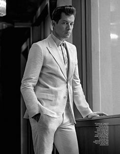 British DJ producer Mark Ronson is in the new cover of LA Confidential Magazine the full fashion story photographed by talented Karl Simone connected with stylist Kashi Mai Somers. Velvet Dinner Jacket, La Confidential, Uptown Funk, Mark Ronson, The Fashionisto, Gucci Shirts, My Baby Daddy, I Have A Crush, Three Piece Suit