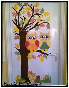 Fall Window Decorations, School Wall Decoration, Decoration Creche, School Door Decorations, Fall Decor, Owl Classroom Decor, Fall Classroom Decorations, Halloween Crafts For Toddlers, Toddler Crafts